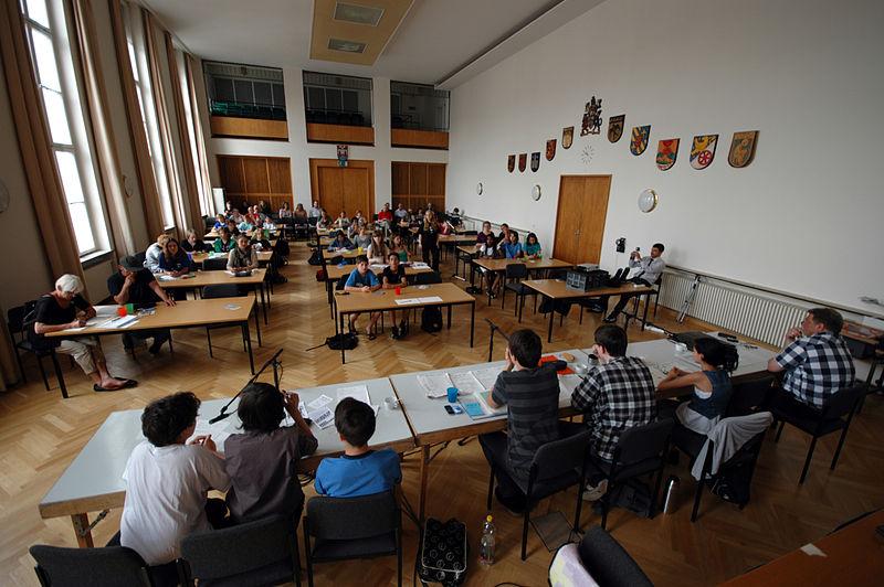 Kinder- und Jugendparlament Berlin Charlottenburg-Wilmersdorf öffentliche SitzungQuelle: Wikimedia Commons